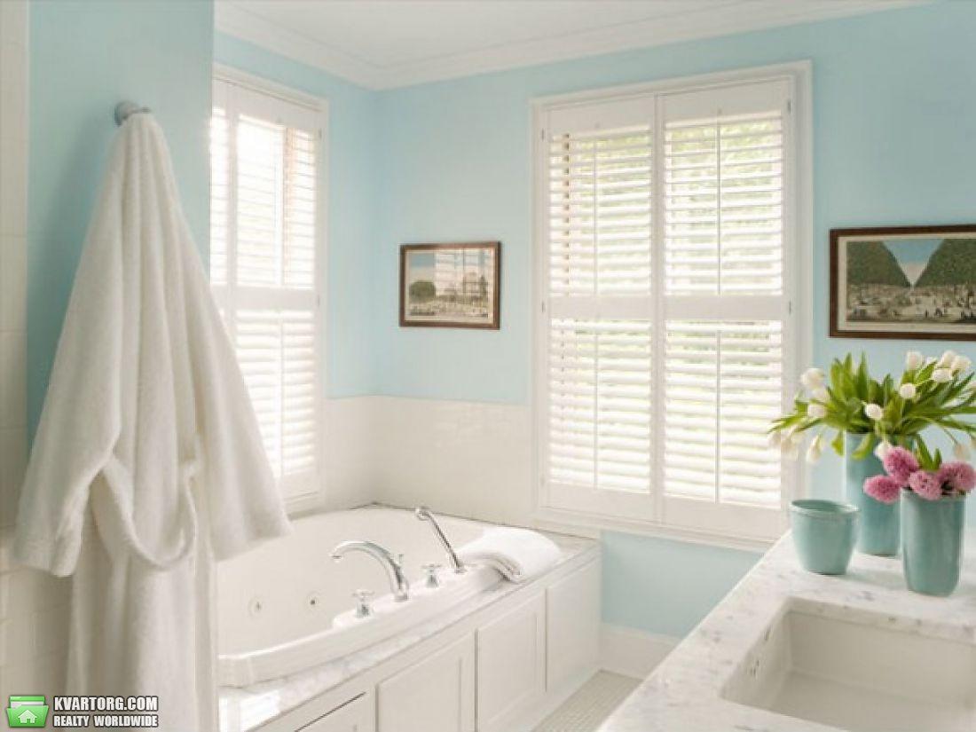 Дизайн ванной комнаты маленькой комнаты с окном