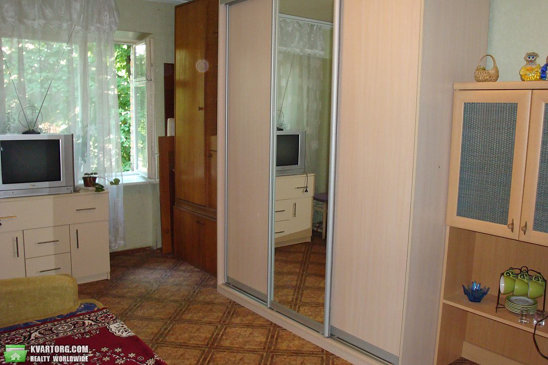 сдам 1-комнатную квартиру. Киев, ул.Дегтяревская ул. . Цена: 200$  (ID 1797805) - Фото 2