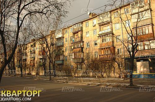 Продам 2-комнатную квартиру. киев, ул.строителе 12. цена:....