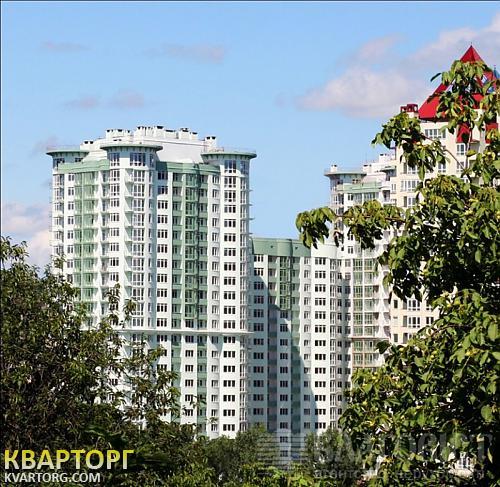 продам 4-комнатную квартиру Киев, ул. Механизаторов