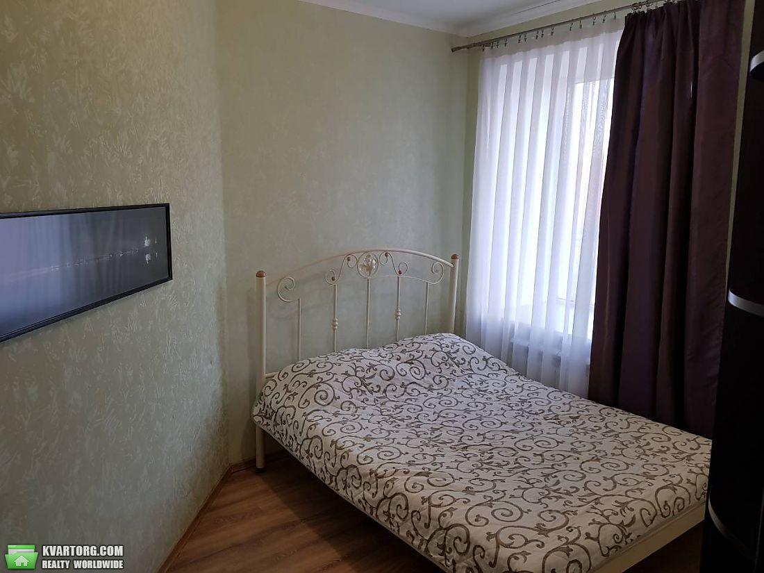 сдам 2-комнатную квартиру. Днепропетровск, ул.Пр.Александра Поля 27 д. Цена: 27$  (ID 2099822) - Фото 2