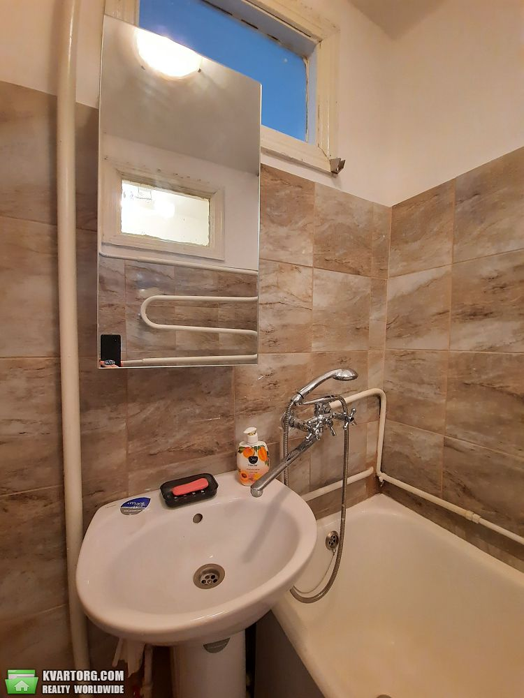 продам 2-комнатную квартиру Киев, ул.Карпинского 10 - Фото 9