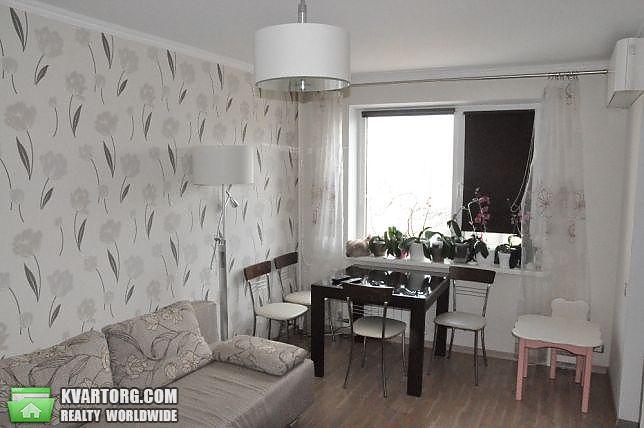 продам 3-комнатную квартиру Киев, ул. Героев Сталинграда пр 27а - Фото 1
