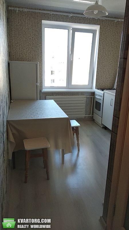 продам 2-комнатную квартиру Киев, ул. Приречная 17д - Фото 1