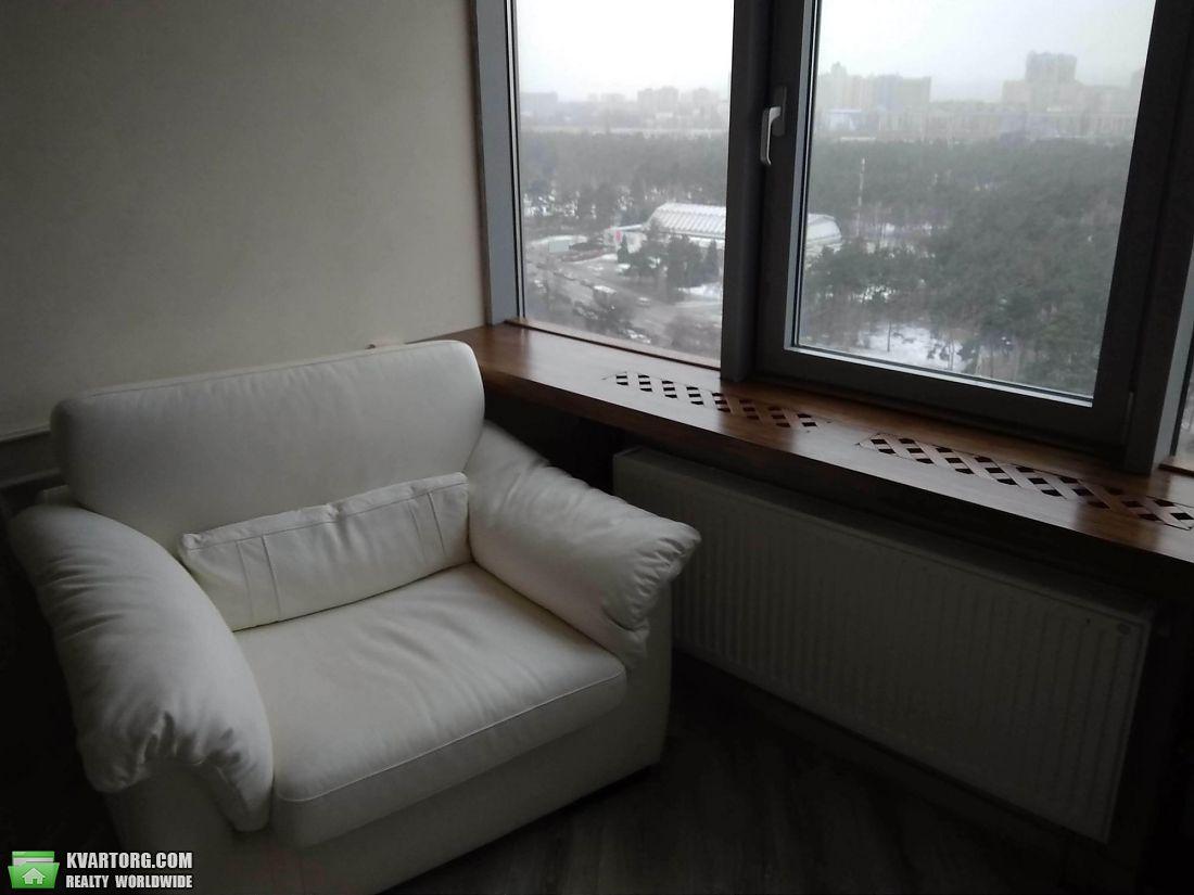 продам 2-комнатную квартиру Киев, ул. Дарницкий бул 8 - Фото 4