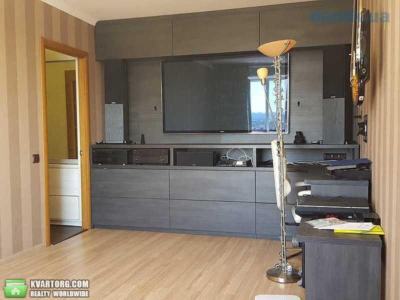 продам 2-комнатную квартиру Киев, ул. Приозерная 4а - Фото 1