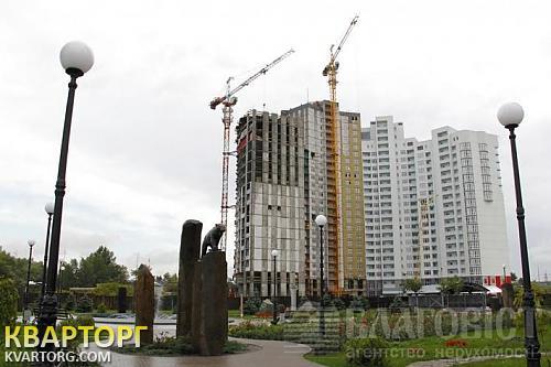 продам 2-комнатную квартиру Киев, ул. Героев Сталинграда пр