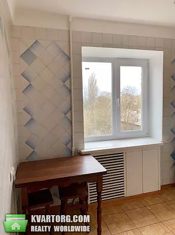 продам 3-комнатную квартиру Киев, ул. Багговутовская 3 - Фото 3