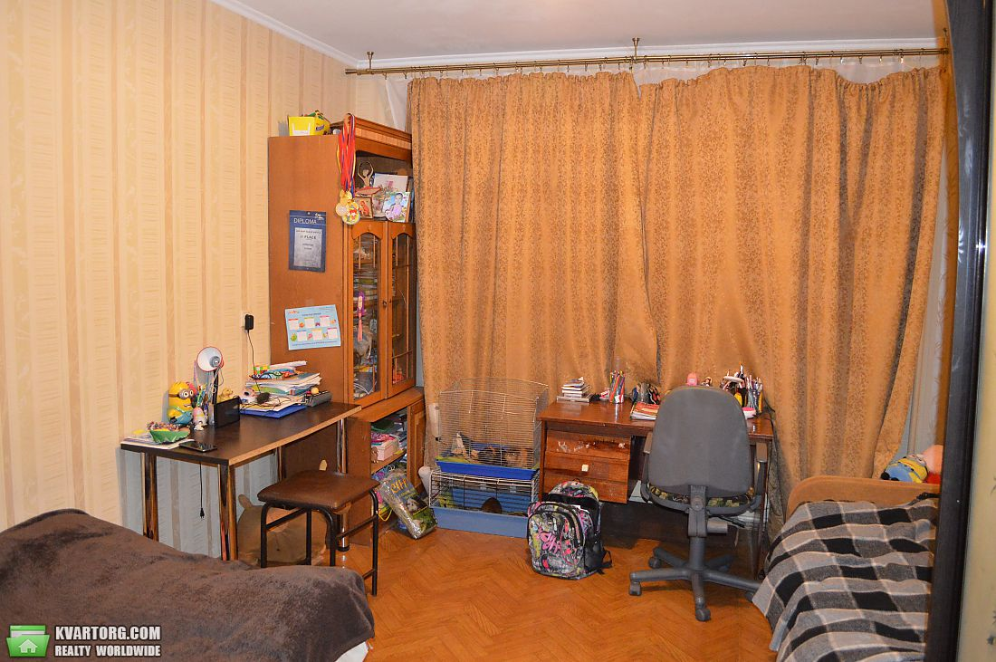 продам 3-комнатную квартиру Киев, ул. Радунская 5б - Фото 8