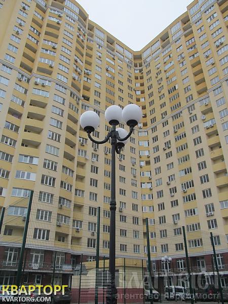 продам 3-комнатную квартиру Киев, ул. Трутенко