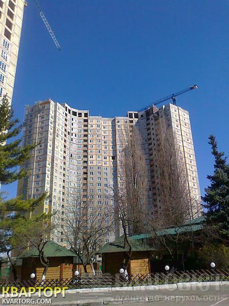 продам 3-комнатную квартиру Киев, ул. Глушкова пр