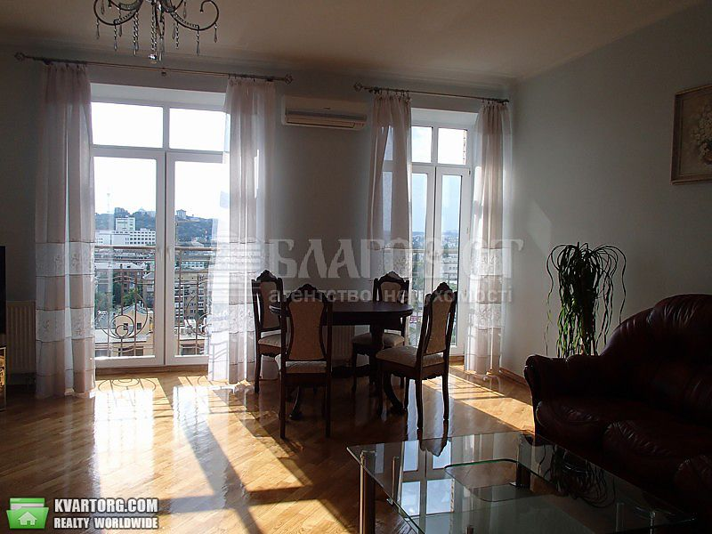 сдам 3-комнатную квартиру. Киев, ул. Почайнинская . Цена: 950$  (ID 2123398) - Фото 1
