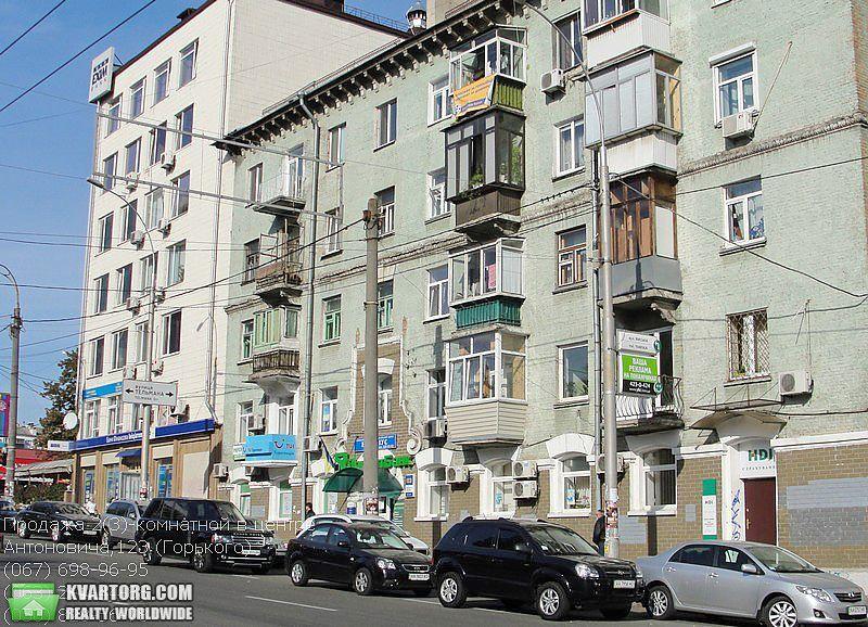продам 2-комнатную квартиру Киев, ул. Антоновича 123 - Фото 1