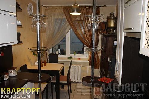продам 2-комнатную квартиру Киев, ул. Кловский спуск