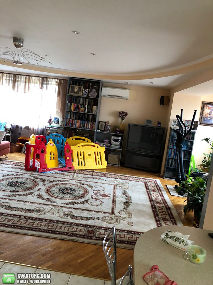 продам 4-комнатную квартиру Киев, ул. Космическая 6 - Фото 2