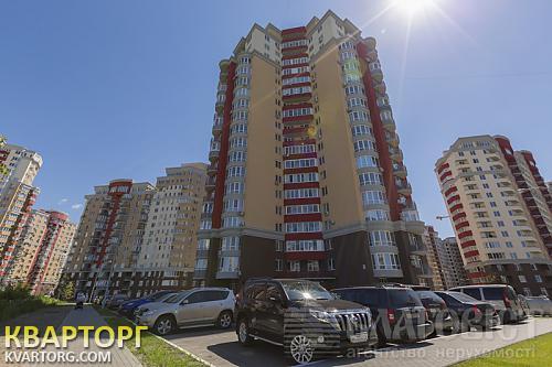 продам 4-комнатную квартиру Киев, ул.мейтуса