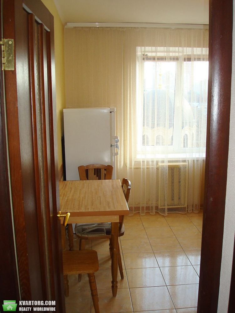 сдам 2-комнатную квартиру. Киев, ул.Шелковичная ул. . Цена: 500$  (ID 2058034) - Фото 2