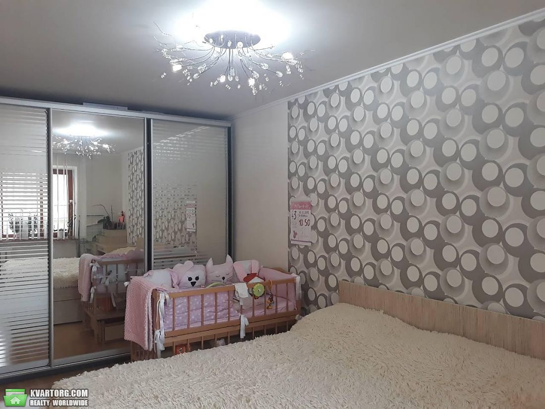 продам 3-комнатную квартиру. Одесса, ул.Средняя . Цена: 45000$  (ID 2086298) - Фото 1