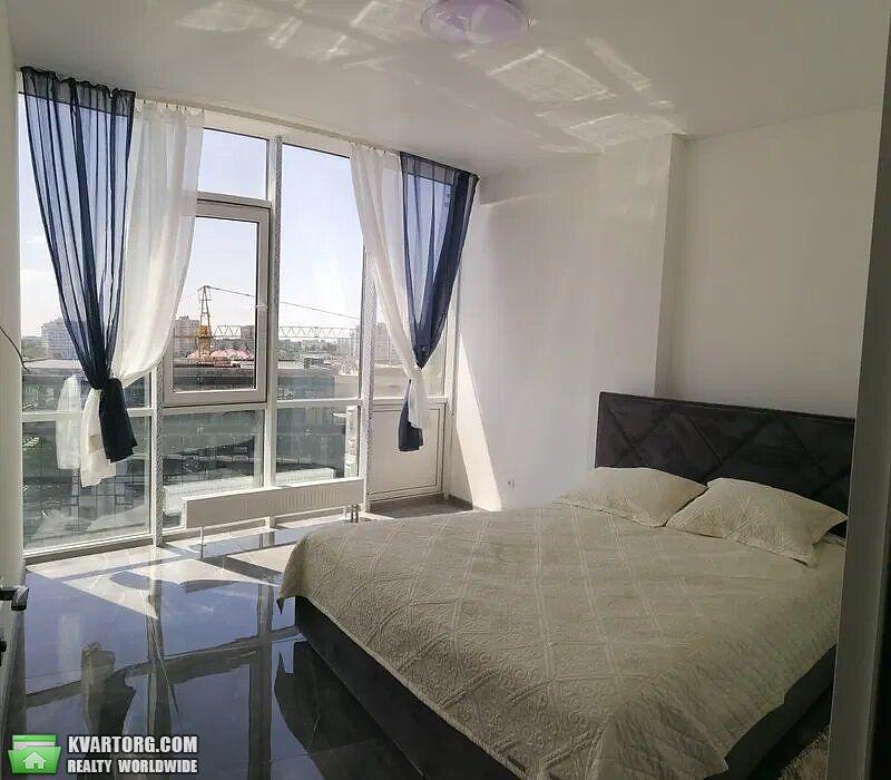 продам 2-комнатную квартиру Одесса, ул.Гагаринское плато 5/2 - Фото 1