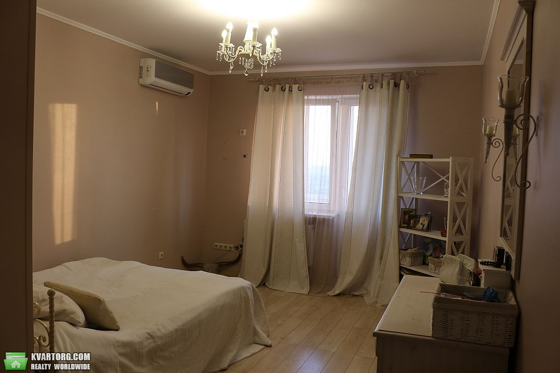 продам 2-комнатную квартиру Киев, ул.Харьковское шоссе 19а - Фото 4