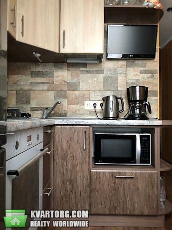 продам 2-комнатную квартиру Киев, ул. Приречная 27 - Фото 1