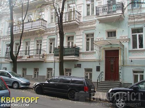 продам 2-комнатную квартиру Киев, ул. Десятинная
