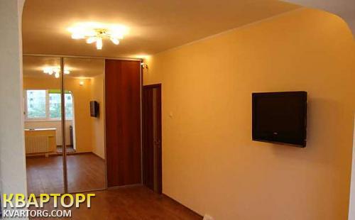 сдам 1-комнатную квартиру. Киев, ул. Трутенко 9. Цена: 400$  (ID 1015188)