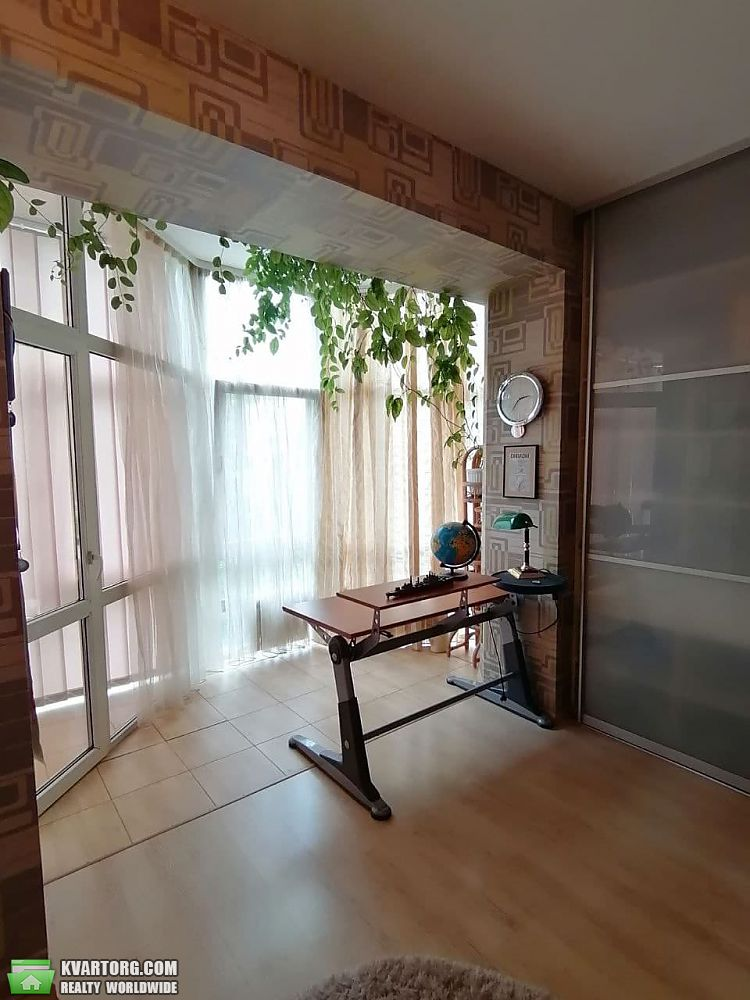 продам 3-комнатную квартиру Днепропетровск, ул.Карла Маркса 001 - Фото 5