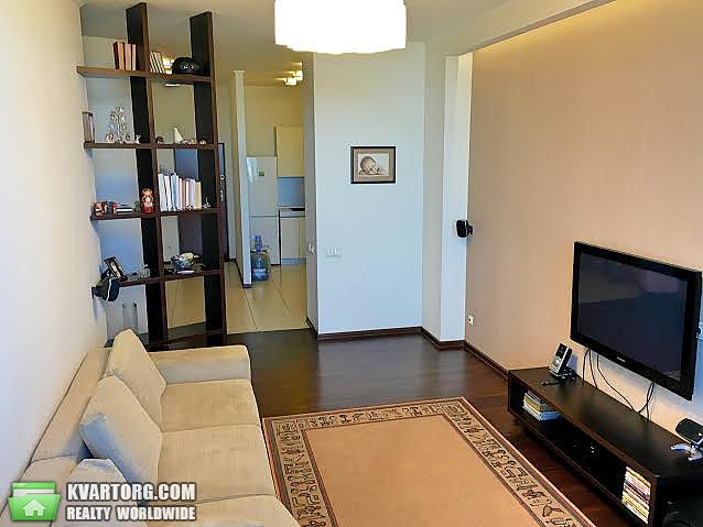 продам 2-комнатную квартиру Днепропетровск, ул.Гусенко - Фото 1
