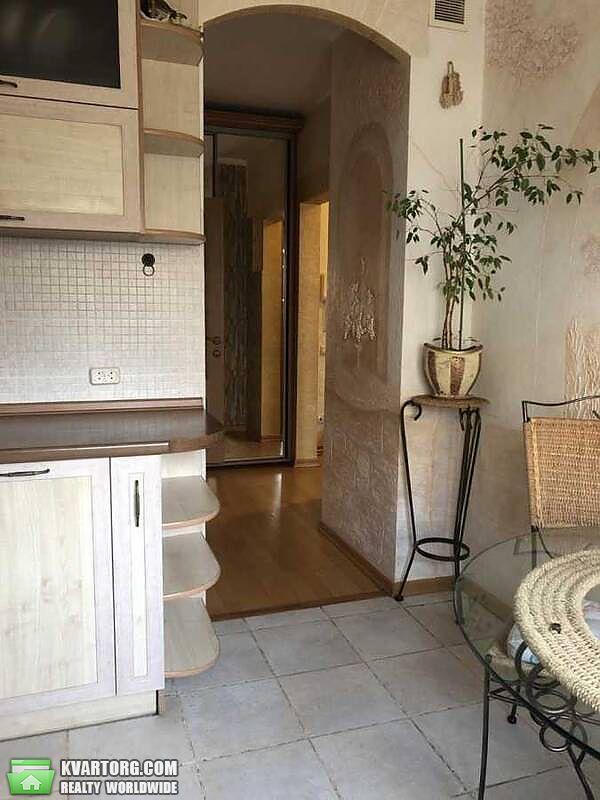 продам 2-комнатную квартиру Киев, ул. Героев Днепра 64 - Фото 1