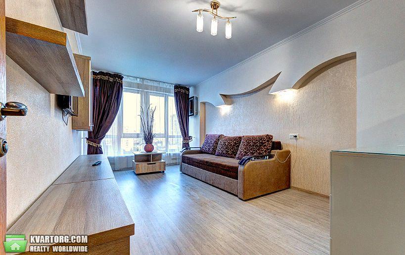 сдам квартиру посуточно Киев, ул. Мельникова 49 - Фото 1